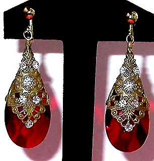 A Beautiful Vintage Costume Estate Antique Jewelry Earrings Unsigned
