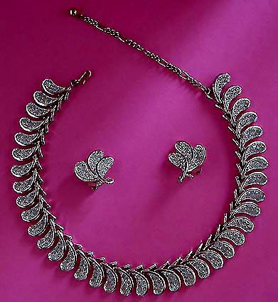 A Beautiful Vintage Costume Jewelry Parure