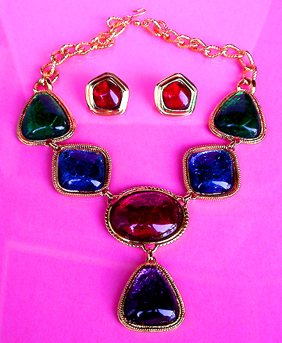 VINTAGE COSTUME ANTIQUE JEWELRY MATCHING JEWELRY SETS PARURES